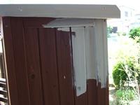 ガーデン物置を白くリメイクペイント(1)